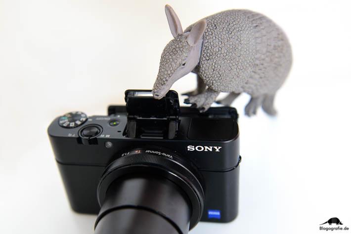 Sony RX100 M3 Testbericht - Aufklappblitz