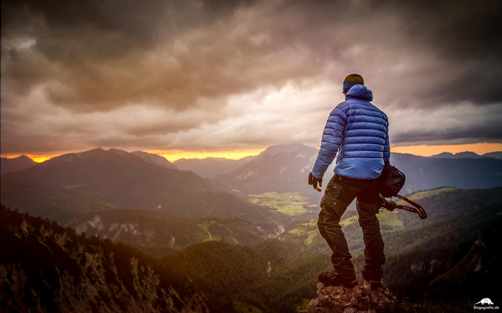 Rofangebirge zum Sonnenuntergang mit Fotograf