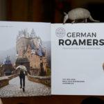 German Roamers - Deutschlands neue Abenteurer - Buchseite mit Foto der Burg Eltz