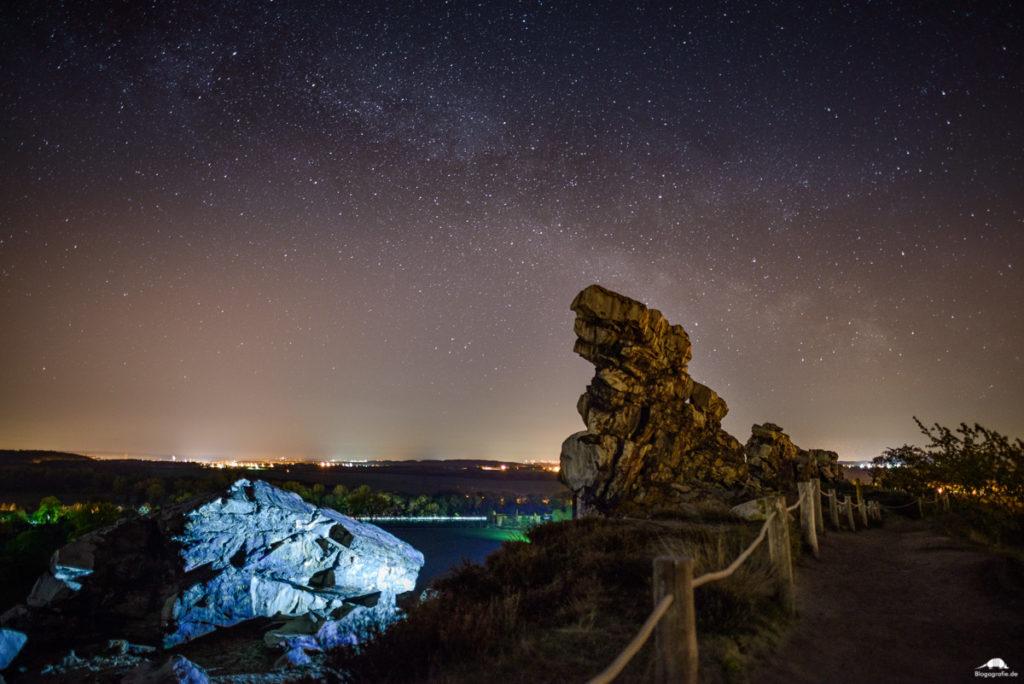 Teufelsmauer Weddersleben im Harz bei Nacht mit Milchstraße
