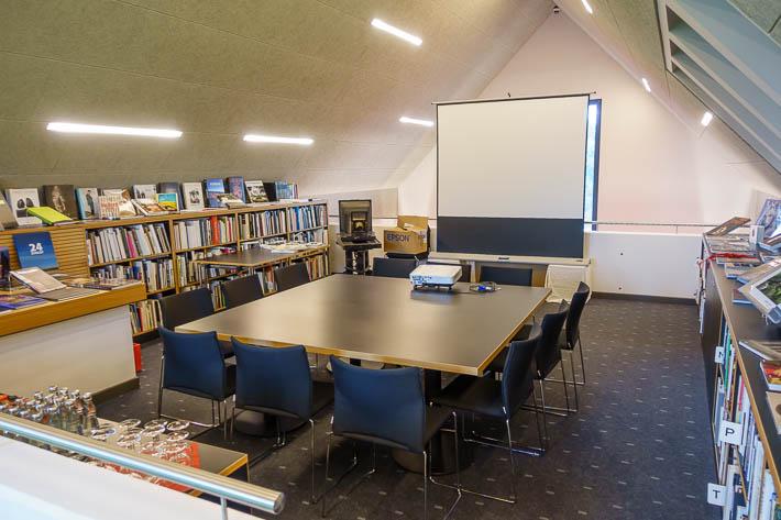 Lesesaal der Bibliothek im Max Hünten Haus in Zingst