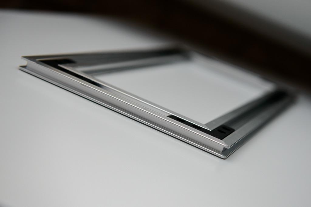 Saal Digital Wandbild Profilhalterung