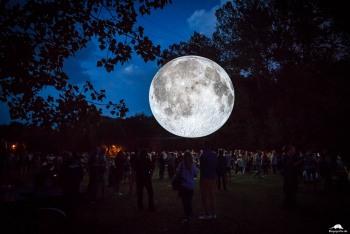 Mond-Installation auf der Peißnitz