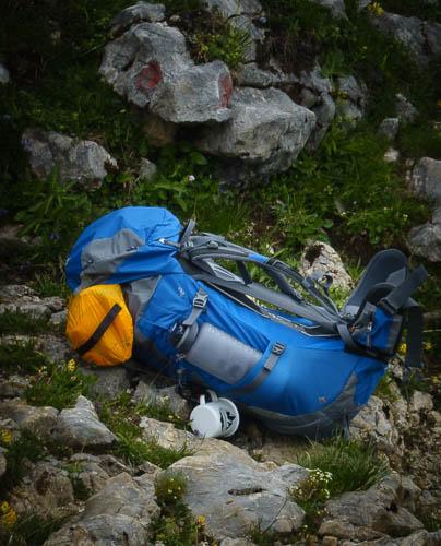 deuter futura pro 42 mit campingausrüstung