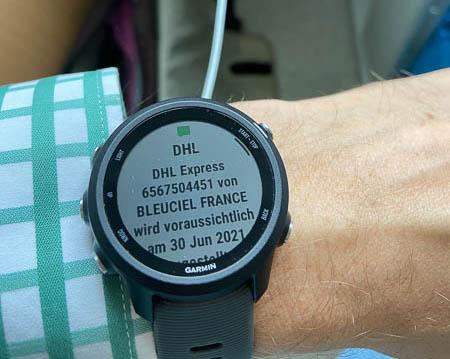 SMS-Benachrichtigung von DHL für E-Infinity-Bestellung