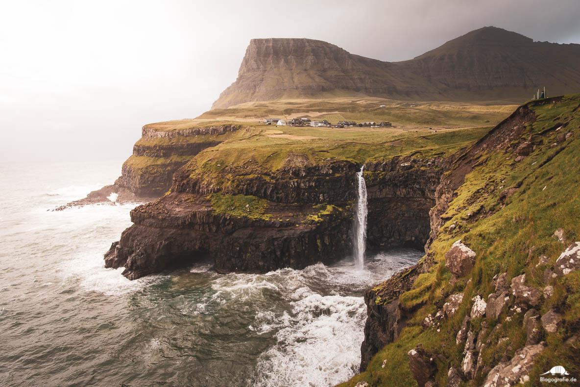Mulafossur Wasserfall in Gasadalur