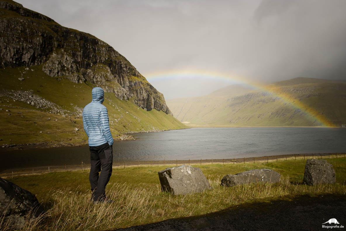Regenbogen auf den Färöer-Insel