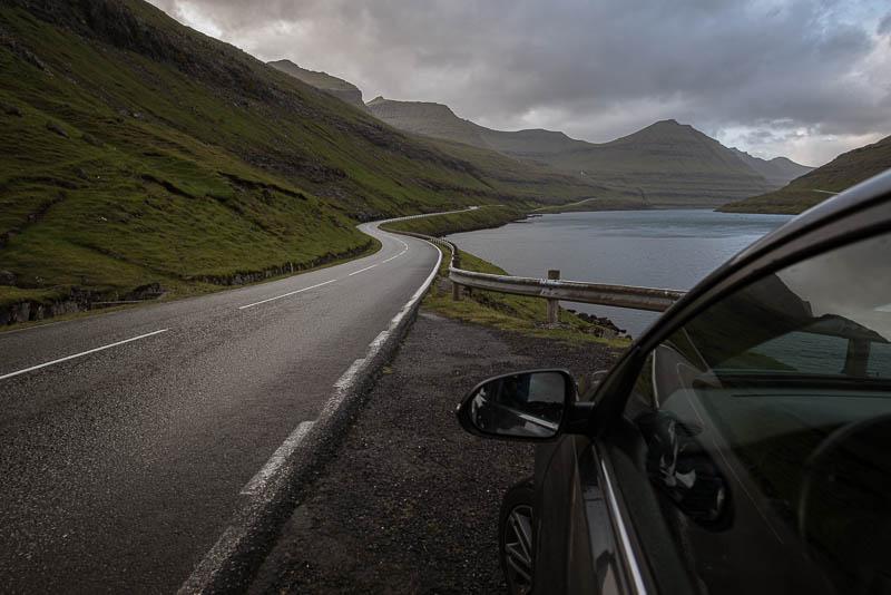 Straße von Funningsfjørður nach Gjógv