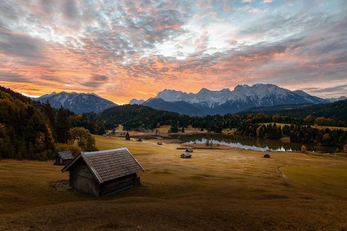 Sonnenaufgang am Geroldsee bei Garmisch-Partenkirchen