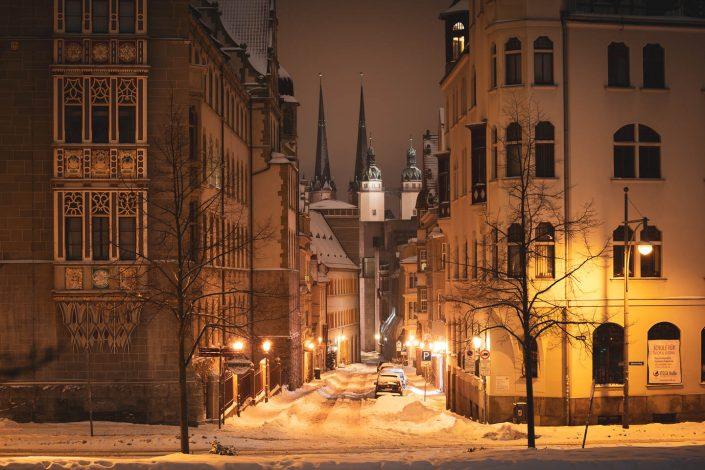 Nächtlicher Fotowalk durch Halle (Saale) im Schnee