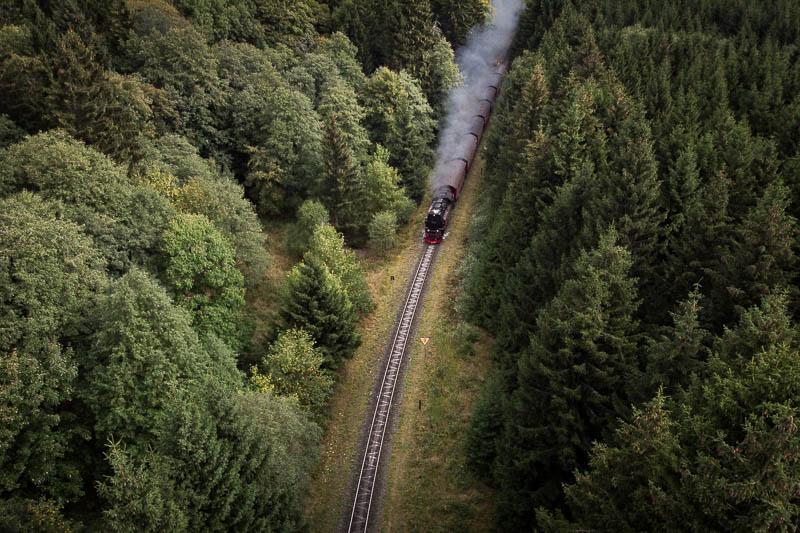 Die Brockenbahn mit der Drohne fotografiert