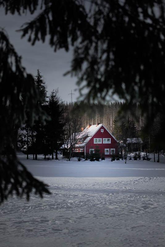Rote Holzhütte in Königskrug im Harz