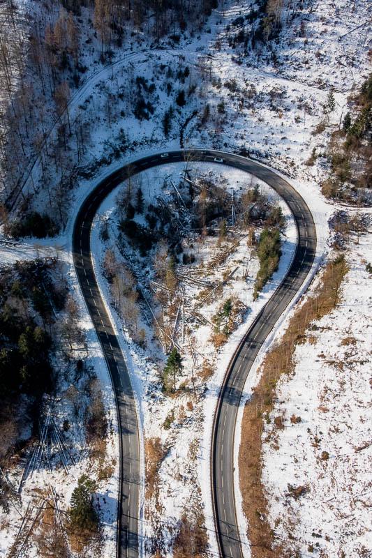 Luftfoto der Bundesstraße am Sösestausee