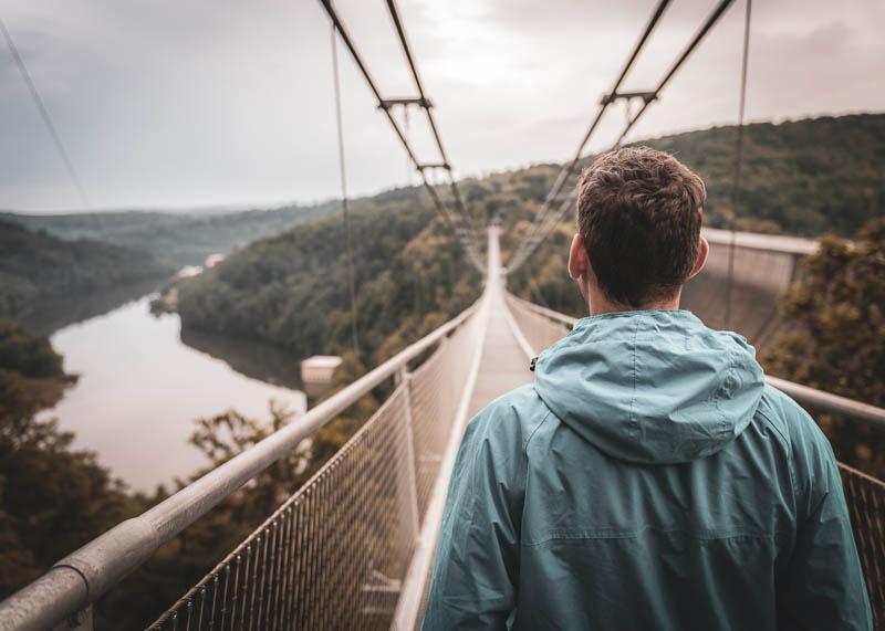 Auf der Hängebrücke Titan RT neben der Rappbodetalsperre im Harz