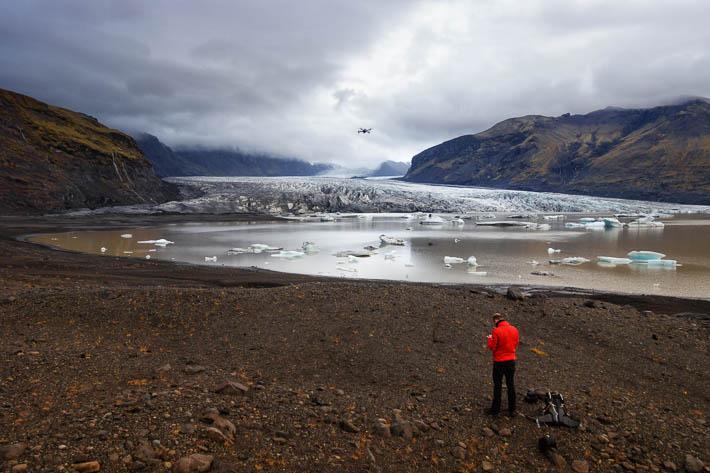 island - gletscher Svínafellsjökull - drohne - dji mavic
