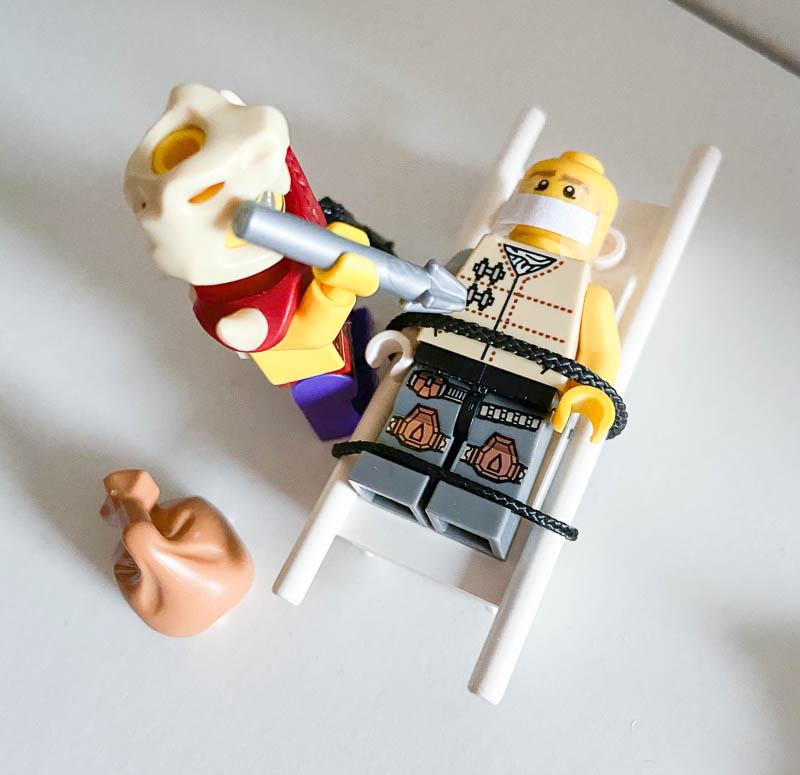 Lego-Szene mit Mundschutz