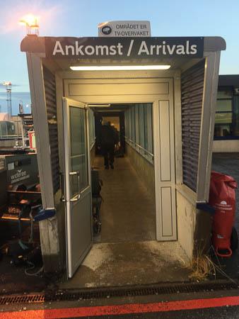 Flughafen Harstad Narvik, Lofoten, Ankomst