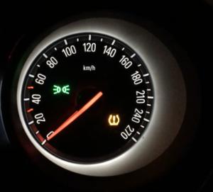 Mietwagen Warnleuchte Reifendruck