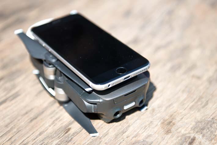 Mavic Air - Größenvergleich zum iPhone