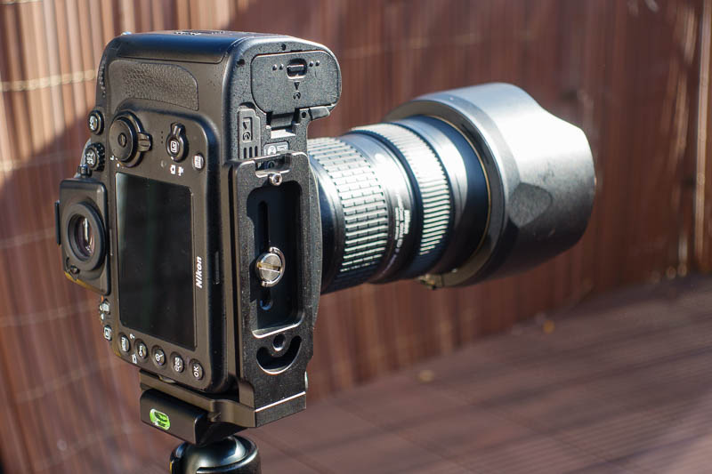 MENGS MPU-100 an Nikon D800 im Hochformat