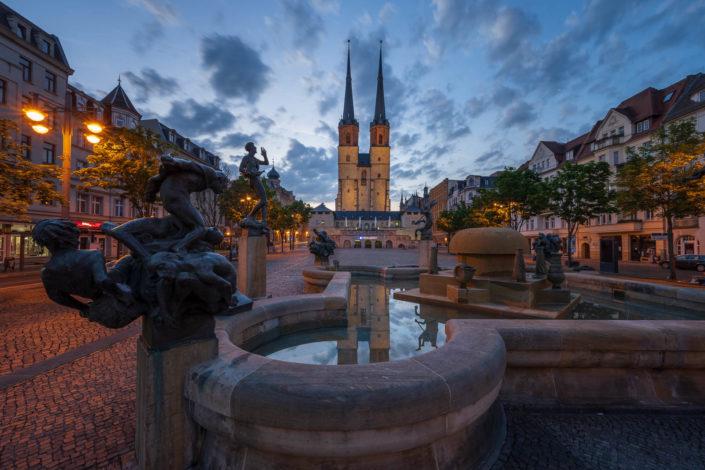 Der Göbelbrunnen zur Blauen Stunde