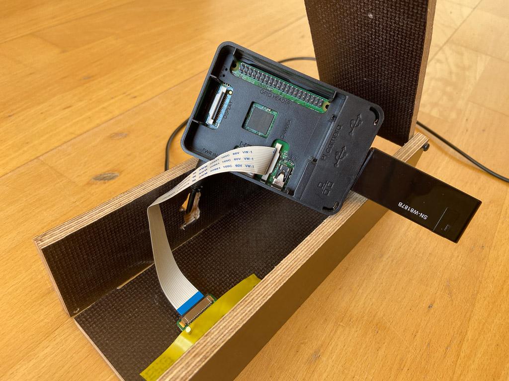 Einbau vom Raspberry Pi ins selbst gebaute Gehäuse