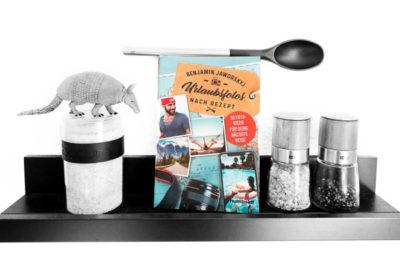 """Coverfoto zum Review zum Buch """"Urlaubsfotos nach Rezept"""""""