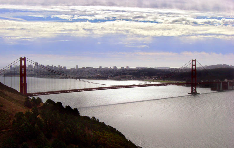 Die Golden Gate Bridge ganz schlecht fotografiert und bearbeitet
